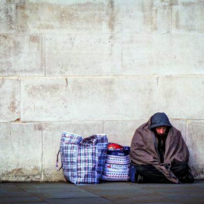Una struttura per i senzatetto, subito